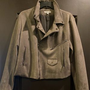 Solitaire by Ravi Khosla gray suede moto jacket
